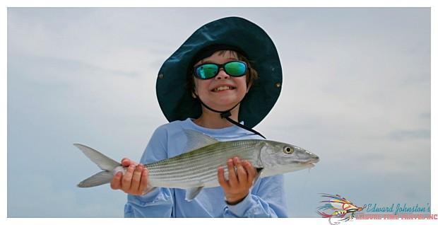 H2O Bonefishing Bahamas : Another Happy Angler